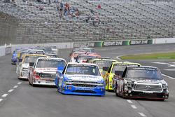 Noah Gragson, Kyle Busch Motorsports Toyota and Johnny Sauter, GMS Racing Chevrolet