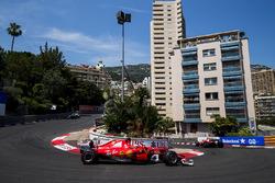 Kimi Raikkonen, Ferrari SF70H, Sebastian Vettel, Ferrari SF70H, Valtteri Bottas, Mercedes AMG F1 W08