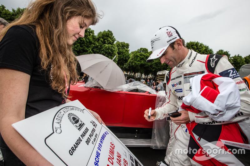 #2 Porsche Team Porsche 919 Hybrid: Romain Dumas