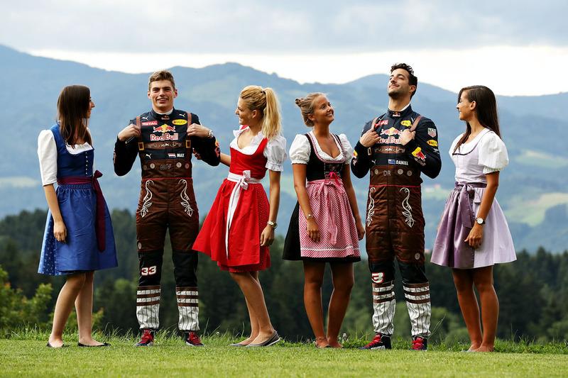 Max Verstappen und Daniel Ricciardo mit Formula Una Girls