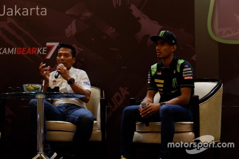 Dato' Razlan Razali, CEO Sepang International Circuit and Hafizh Syahrin, Monster Yamaha Tech 3