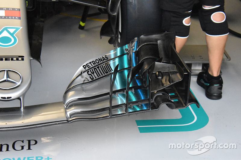 Mercedes front wing technical detail