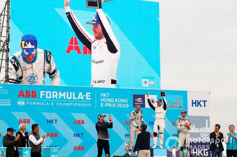 Race winner Sam Bird, Envision Virgin Racing celebrates on the podium alongside Edoardo Mortara, Venturi Formula E, 2nd position, Lucas Di Grassi, Audi Sport ABT Schaeffler, 3rd position