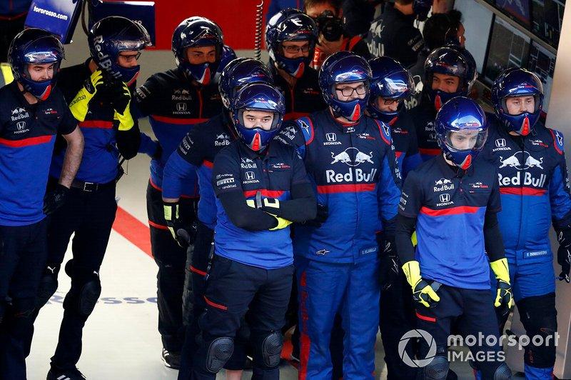 Scuderia Toro Rosso mechanics