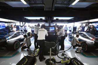 Валттері Боттас, Льюіс Хемілтон, Mercedes AMG F1 W09