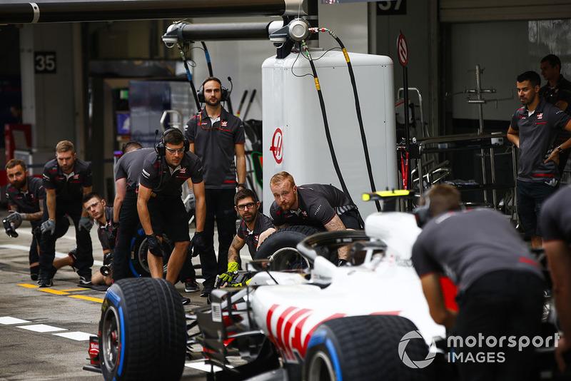 L'écurie Haas s'entraîne aux arrêts au stand