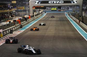 Lance Stroll, Williams FW41, leads Kevin Magnussen, Haas F1 Team VF-18, Stoffel Vandoorne, McLaren MCL33, and Sergey Sirotkin, Williams FW41