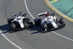 Charles Leclerc, Sauber C37 and Sergey Sirotkin, Williams FW41 battle