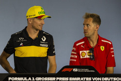 Nico Hulkenberg, Renault Sport F1 Team et Sebastian Vettel, Ferrari, en conférence de presse