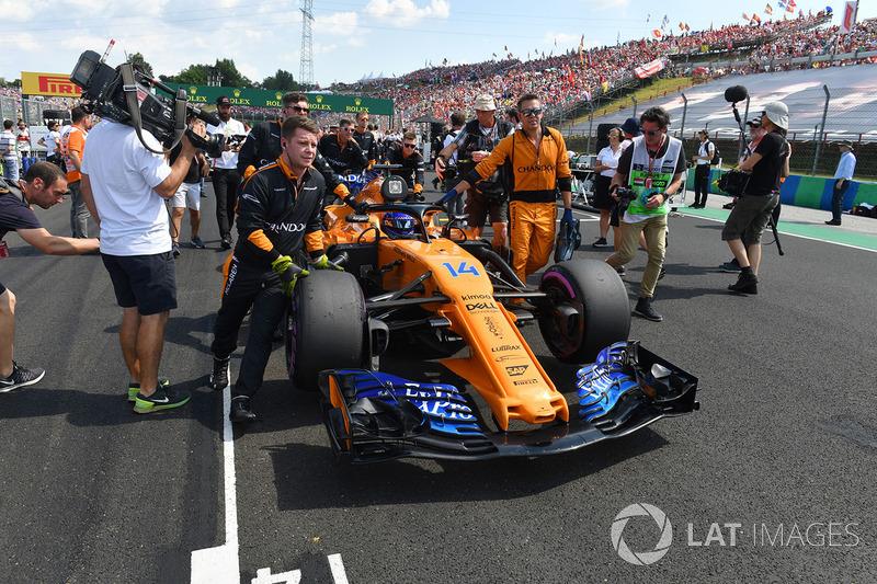 É o segundo que mais fez corridas na zona de pontuação, com 201. Perde apenas para Michael Schumacher, 221.