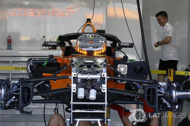 McLaren MCL33 en el garaje