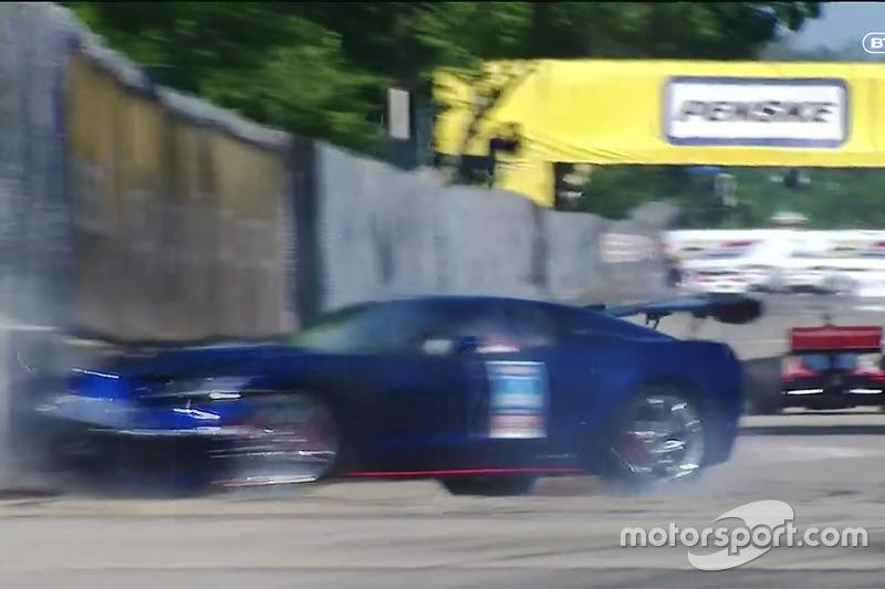 Kecelakaan pace car Corvette
