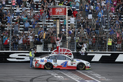 1. Kevin Harvick, Stewart-Haas Racing Ford