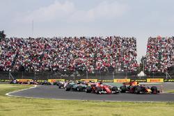 Start: Max Verstappen, Red Bull Racing RB13 leads Sebastian Vettel, Ferrari SF70H and Lewis Hamilton, Mercedes AMG F1 W08 into turn 2