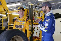 Kyle Busch, Joe Gibbs Racing Toyota Jimmie Johnson, Hendrick Motorsports Chevrolet