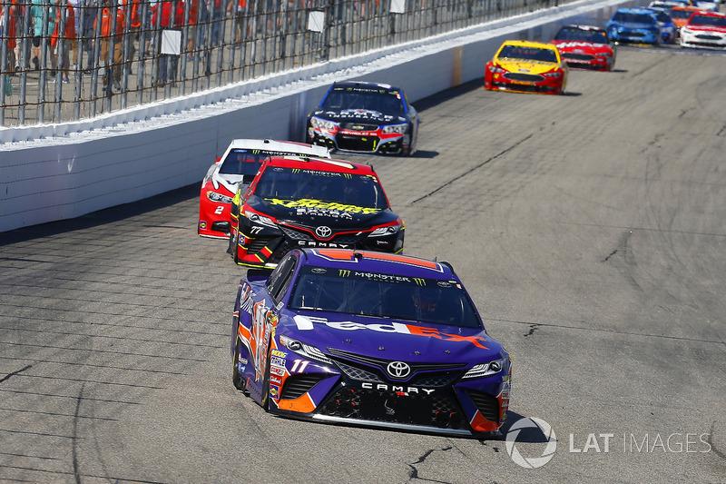 Denny Hamlin, Joe Gibbs Racing Toyota, Erik Jones, Furniture Row Racing Toyota