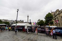 Les préparatifs pour le F1 Live à Trafalgar Square
