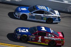 Dale Earnhardt Jr., Hendrick Motorsports, Chevrolet; Jamie McMurray, Chip Ganassi Racing, Chevrolet