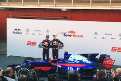 Daniil Kvyat und Carlos Sainz Jr. mit dem Scuderia Toro Rosso STR12