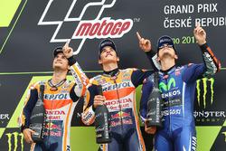 Podium: ganador, Marc Márquez, Repsol Honda Team, segundo, Dani Pedrosa, Repsol Honda Team, tercero, Maverick Viñales, Yamaha Factory Racing
