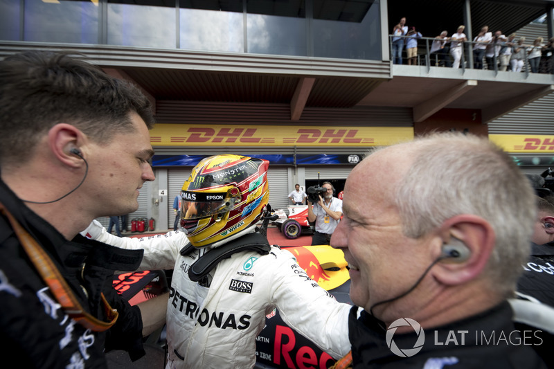 Race winner Lewis Hamilton, Mercedes AMG F1, celebrates, his team in Parc Ferme