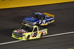 Matt Crafton, ThorSport Racing, Toyota; Chase Briscoe, Brad Keselowski Racing, Ford