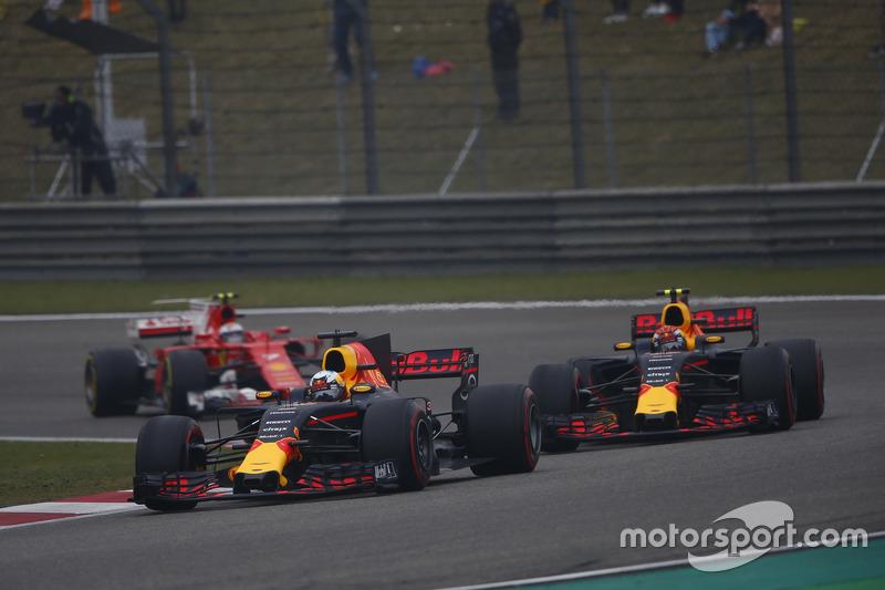 Daniel Ricciardo, Red Bull Racing RB13; Max Verstappen, Red Bull Racing RB13; Kimi Räikkönen, Ferrari SF70H