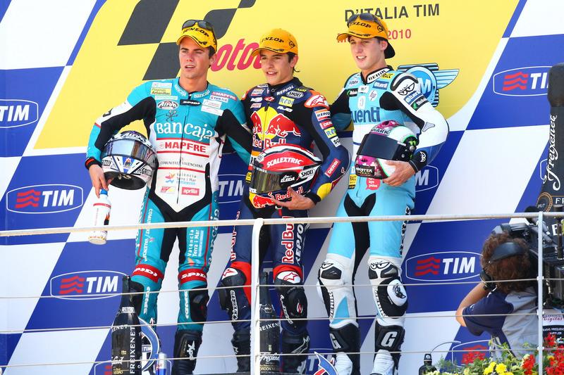 Le podium du GP d'Italie 2010 de 125cc : Marc Márquez, Nicolás Terol, Pol Espargaró