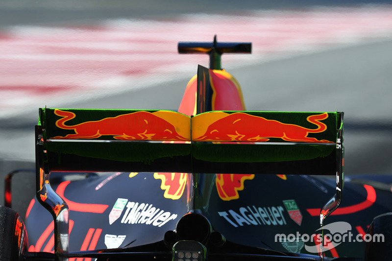 Aero paint on the Red Bull Racing RB13 rear wing