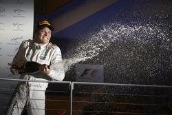 Nico Rosberg, Mercedes AMG F1 W07 Hybrid en el podio