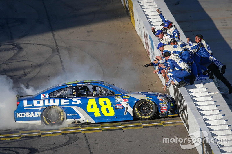 9. Ganador de la carrera Jimmie Johnson, Hendrick Motorsports Chevrolet