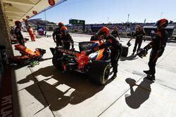 Fernando Alonso, McLaren MCL32, abandonne