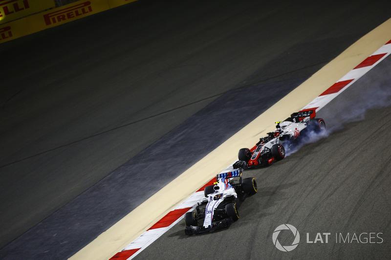 Sergey Sirotkin, Williams FW41 Mercedes, Kevin Magnussen, Haas F1 Team VF-18 Ferrari