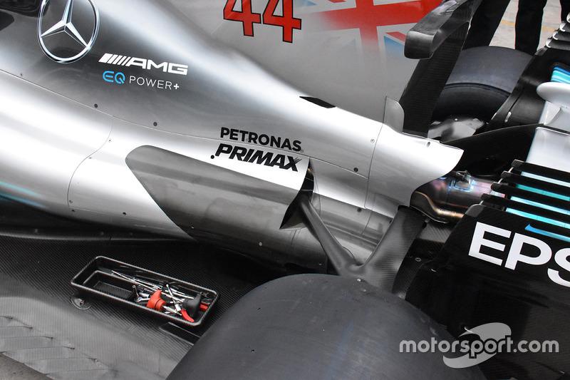 Mercedes-Benz F1 W08 achterzijde