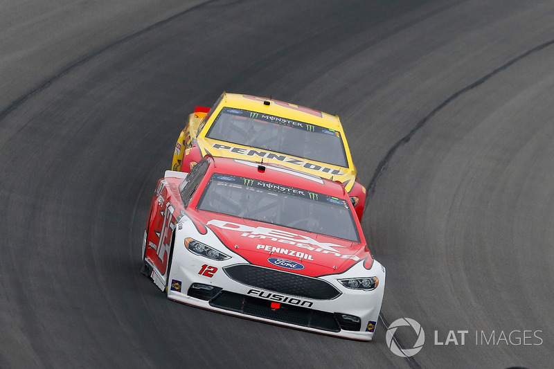 Ryan Blaney, Team Penske, Ford Fusion DEX Imaging e Joey Logano, Team Penske, Ford Fusion Shell Pennzoil