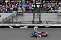 #67 Chip Ganassi Racing Ford GT, GTLM: Ryan Briscoe, Richard Westbrook, Scott Dixon takes the class