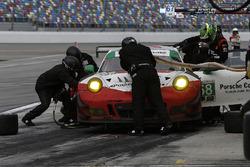 Піт-стоп, #58 Wright Motorsports Porsche 911 GT3 R, GTD: Патрік Лонг, Крістіна Нільсен, Роберт Ренауер, Матьйо Жаміне