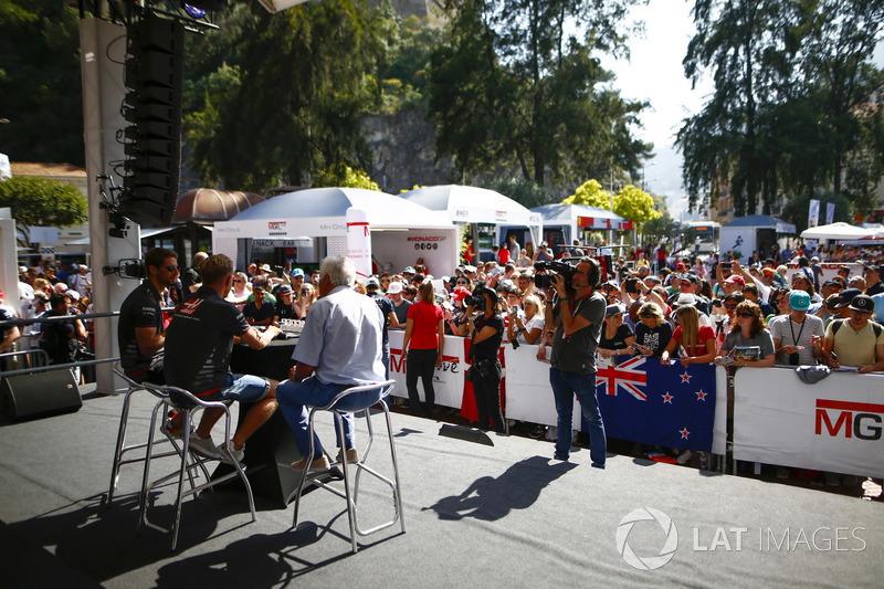 Romain Grosjean, Haas F1 Team, and Kevin Magnussen, Haas F1 Team, on stage