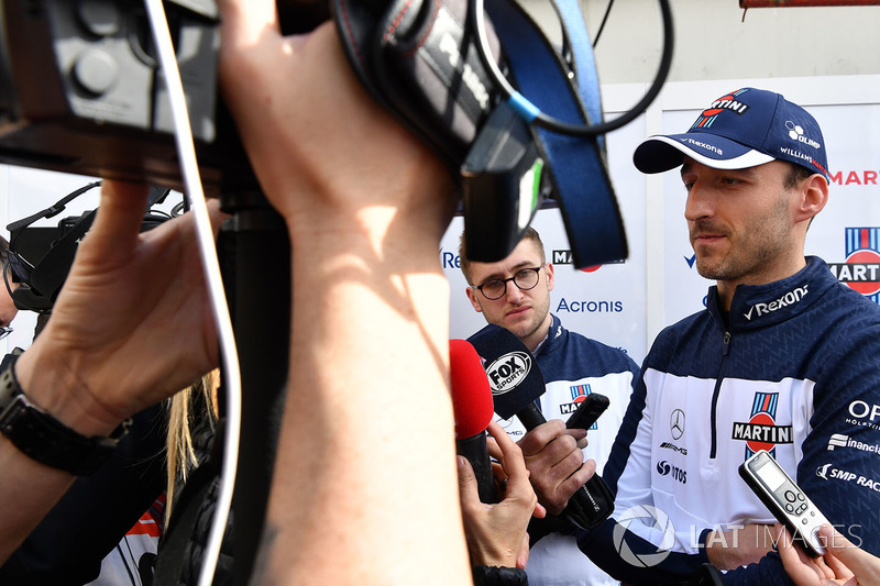 Robert Kubica, Williams talks with the media