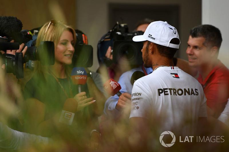 Lewis Hamilton, Mercedes-AMG F1 con los medios