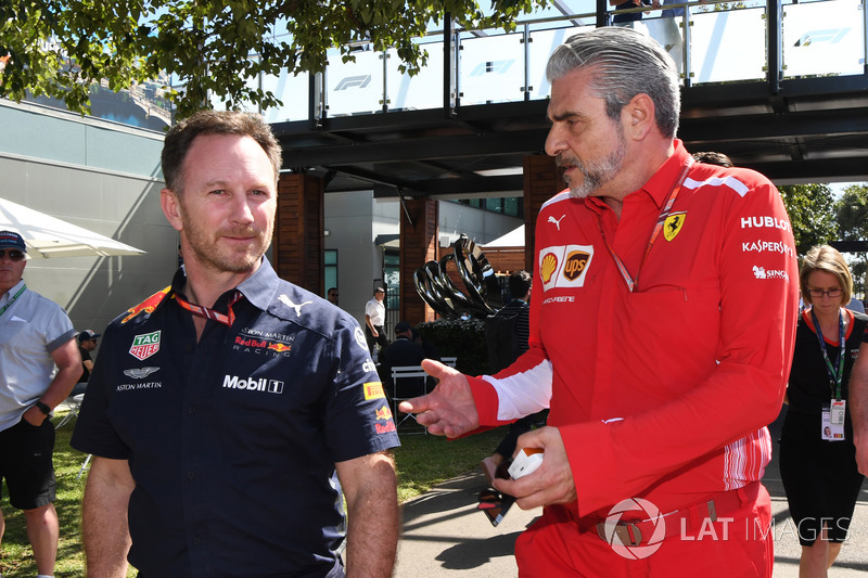 Christian Horner, director del equipo Red Bull Racing y Maurizio Arrivabene, director del equipo Ferrari