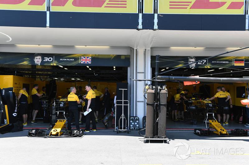 Гараж Renault Sport F1 Team