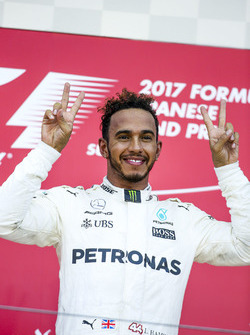 Race winner Lewis Hamilton, Mercedes AMG F1, on the podium