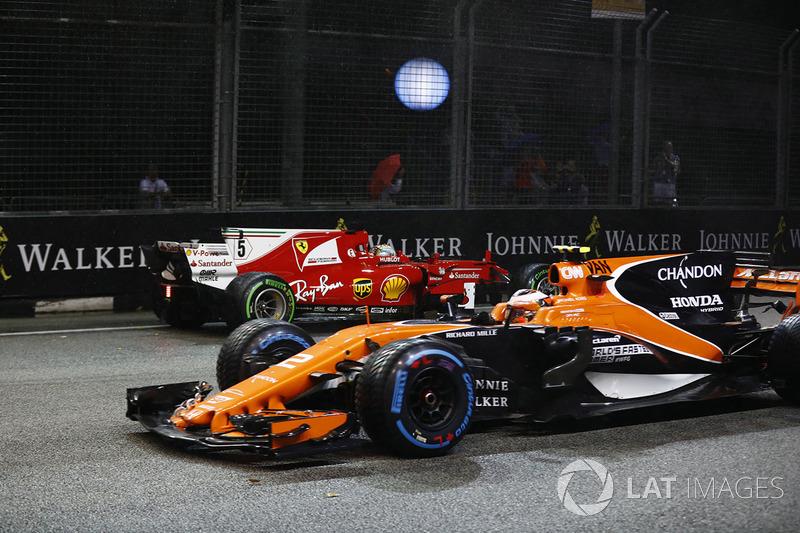 Стоффель Вандорн, McLaren MCL32, Себастьян Феттель, Ferrari SF70H