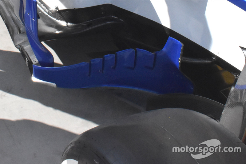 Sauber C36, bargeboards