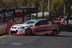 Tim Slade, Brad Jones Racing Holden, crash