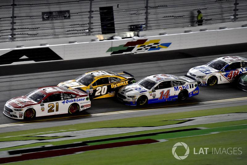 Ryan Blaney, Wood Brothers Racing Ford, Matt Kenseth, Joe Gibbs Racing Toyota,, Clint Bowyer, Stewart-Haas Racing Ford