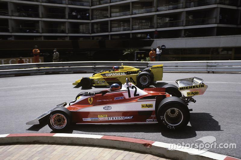Gilles Villeneuve, Ferrari 312T3 rebasa a  Emerson Fittipaldi, Copersucar F5A-Ford