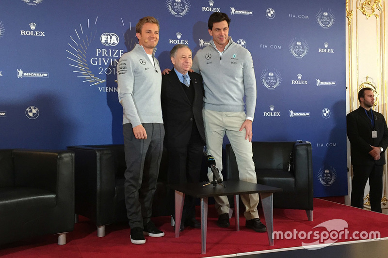 Nico Rosberg, Mercedes AMG F1, Jean Todt, FIA-Präsident und Toto Wolff, Mercedes-Sportchef