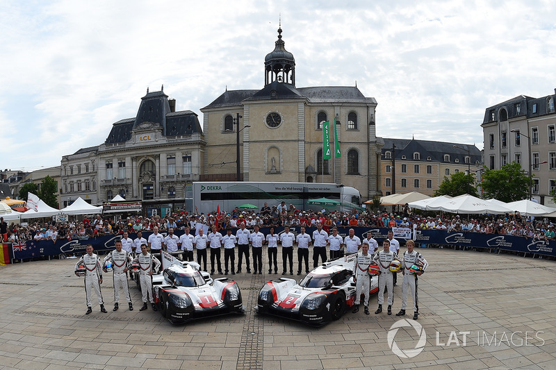 #1 Porsche Team Porsche 919 Hybrid: Neel Jani, Andre Lotterer, Nick Tandy, #2 Porsche Team Porsche 9